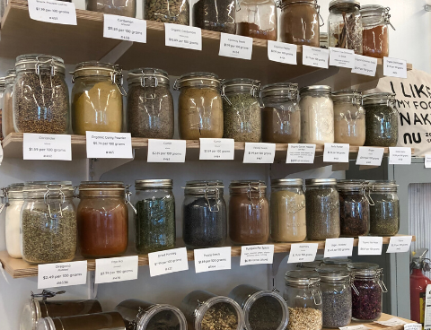 Waste free store - spice rack