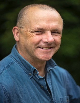 Photo of Dr. Simon Hatcher