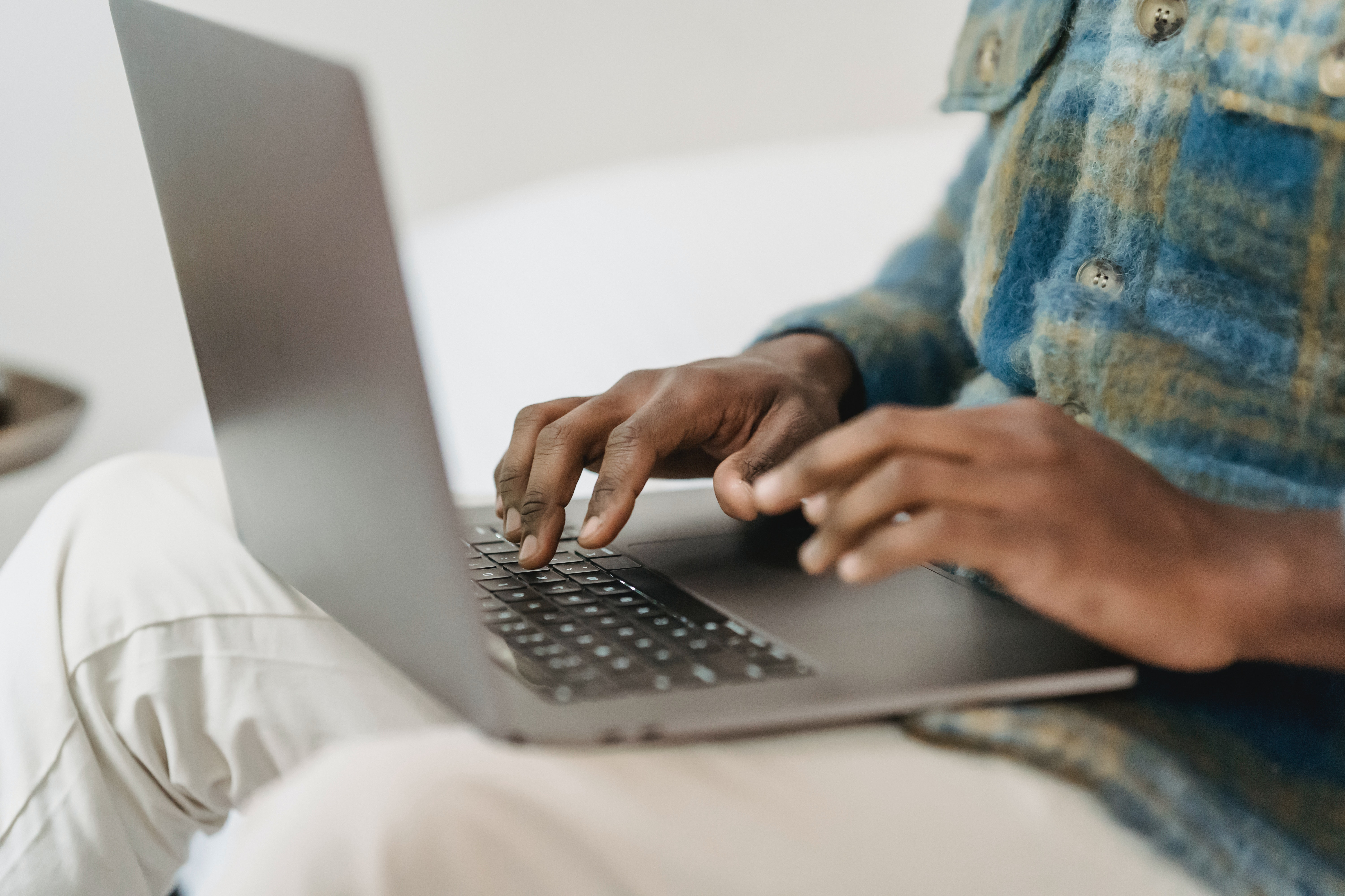Person typing on keybord