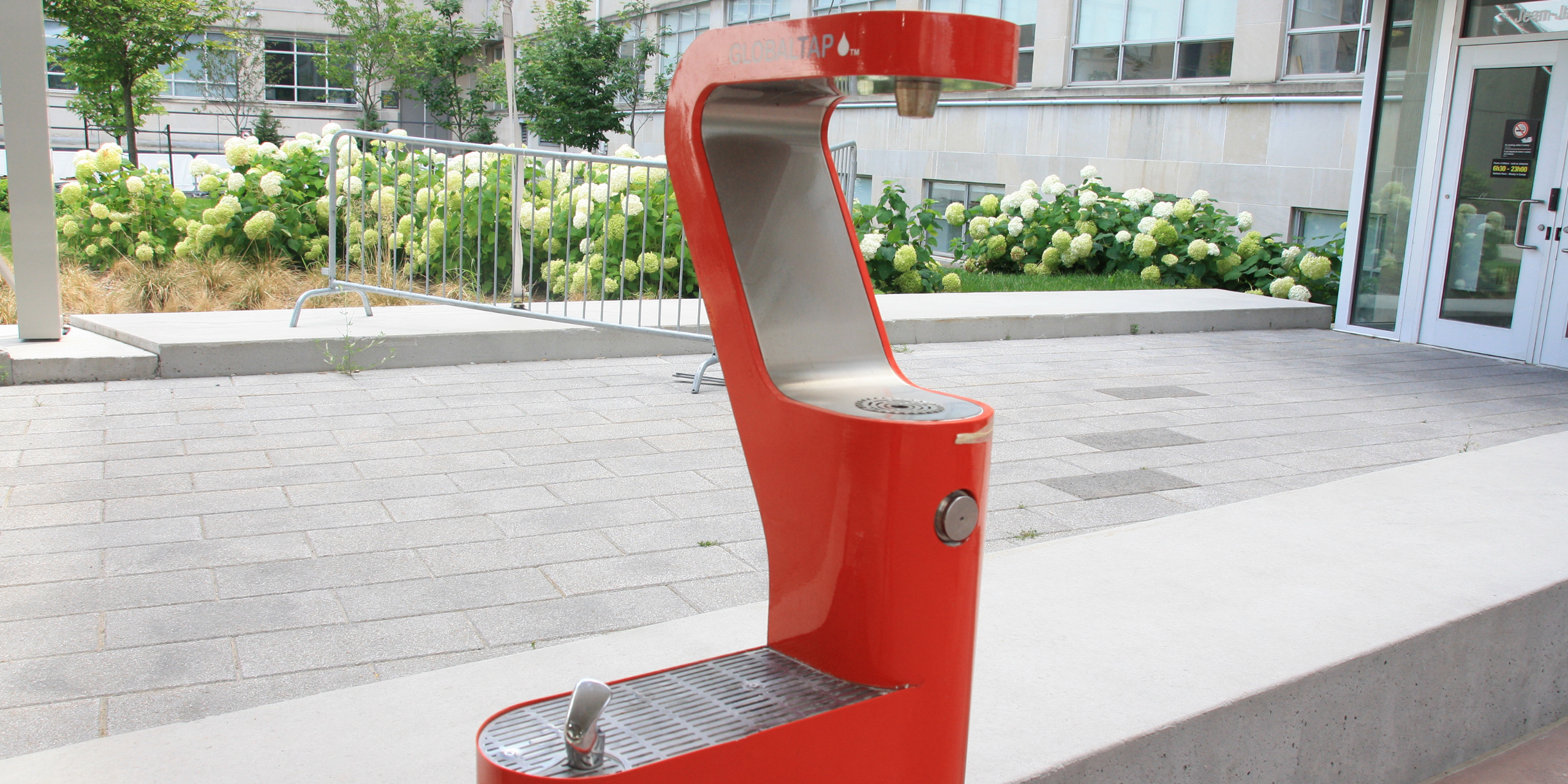 Picture of drinking fountain in front of FSS