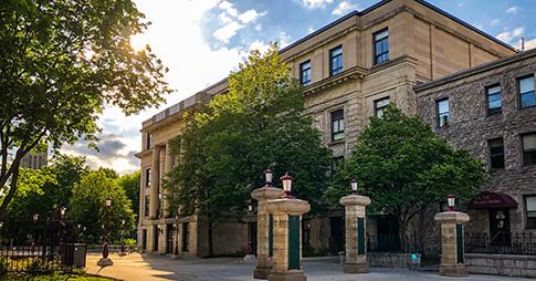 Campus de l'Université d'Ottawa en été