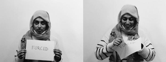 Deux photos juxtaposées montrent d'un côté une femme portant un voile qui tient une feuille de papier où on peut lire «Forcée» et de l'autre, la même femme qui déchire la feuille en souriant.