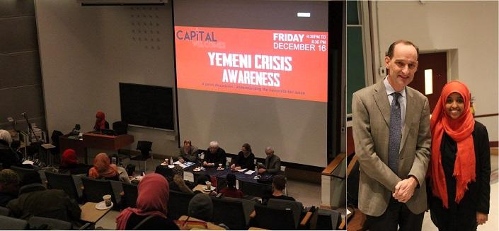 Quatre panélistes sont assis à l'avant d'une salle de classe lors de la discussion de groupe du 16 décembre 2016. Souriants, Johannes Van Der Klaauw et Zein Ahmed se tiennent côte à côte dans une salle de cours de l'Université d'Ottawa.