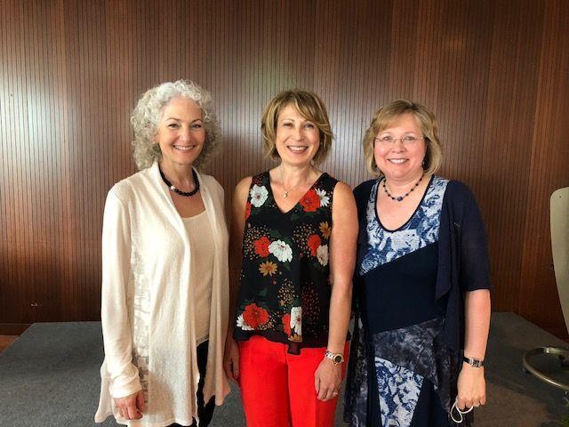 Bonnie Schmidt, Mona Nemer et Barbara Vanderhyden.