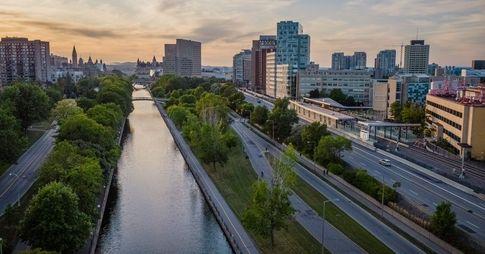 Perspective aérienne du campus de l'Université d'Ottawa.