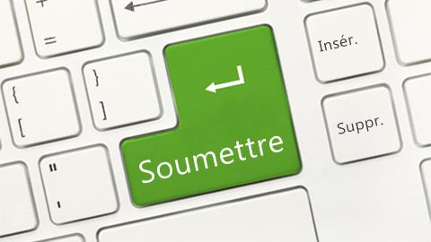 Image d'un clavier d'ordinateur avec une touche « Soumettre »