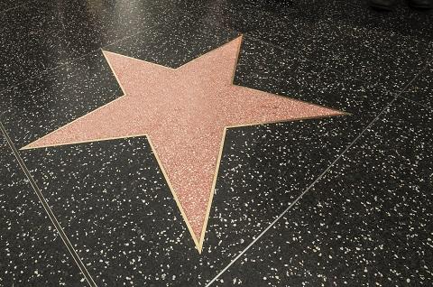 Une étoile sur le Hollywood Boulevard walk of fame.
